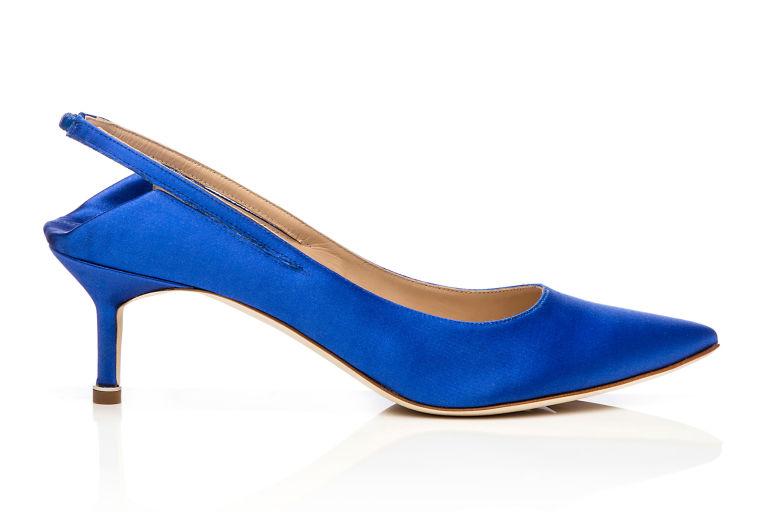 gallery-1483549821-vetementsxmanoloblahnik-babouche-kitten-heels-blue