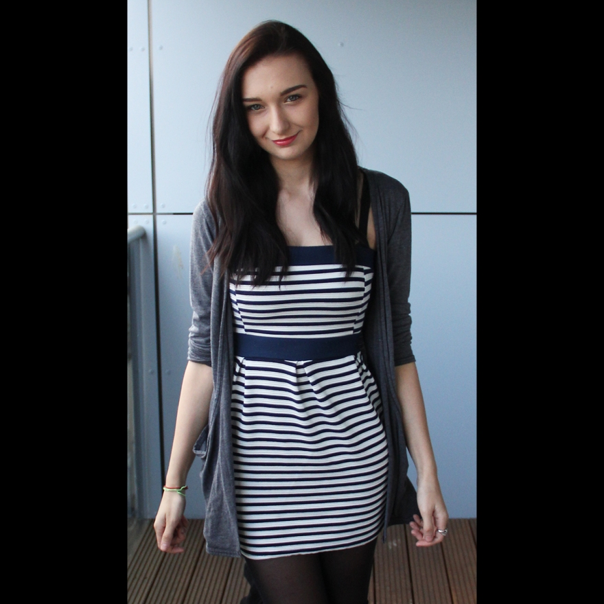 Stripe Dress OOTD - Rachel Oates - Affordably Fashionable